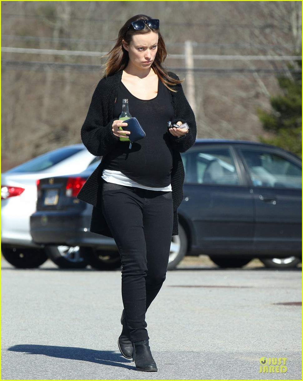 Olivia Wilde Stocks Up on Food for Her Baby Bump, Jason Sudeikis Films ... Olivia Wilde