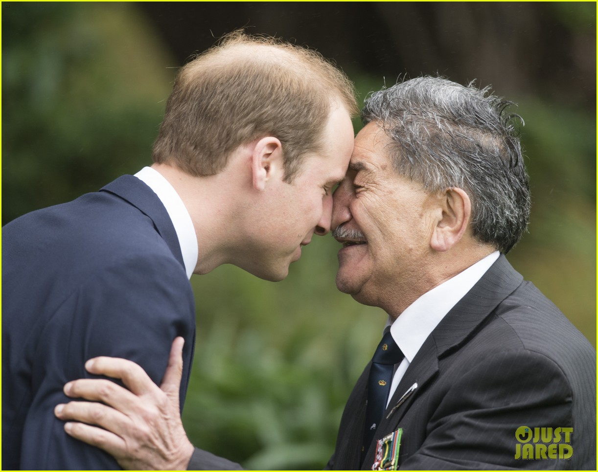 prince william kate middleton new zealand half naked man nose kisses 023086241