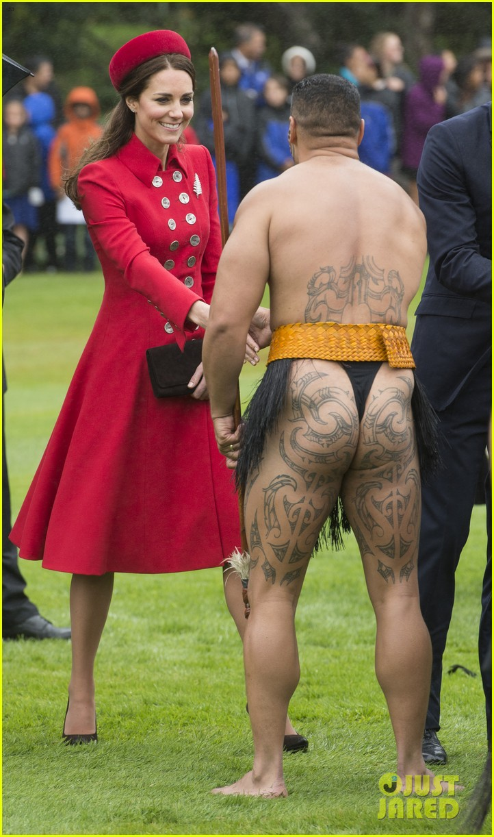 prince william kate middleton new zealand half naked man nose kisses 10