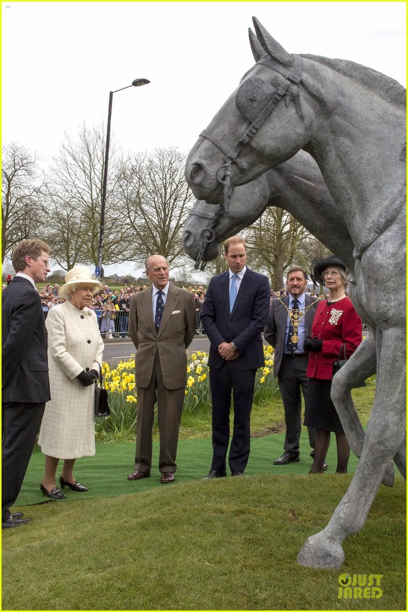 prince william dashing windsor greys statue unveiling 033082536
