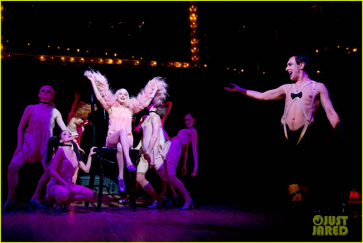 michelle williams dances on broadway new cabaret photos 023084125