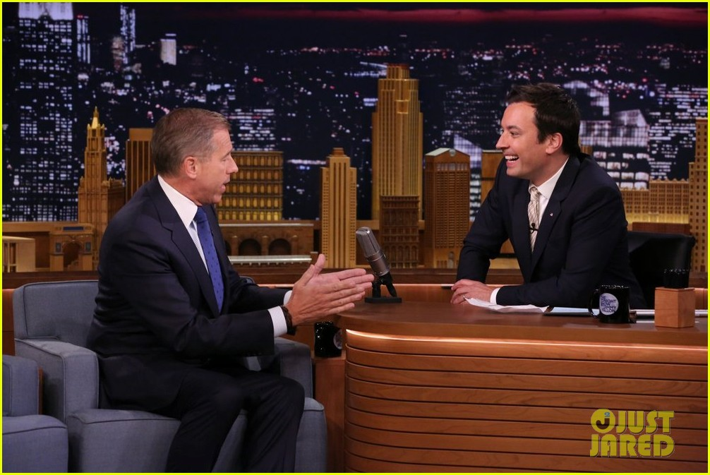 brian williams raps gin juice on fallon 013096723