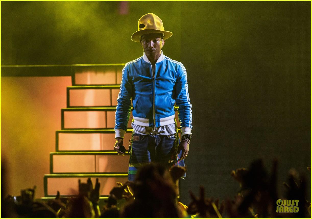 pharrell williams jay z perform at coachella watch now 073095984