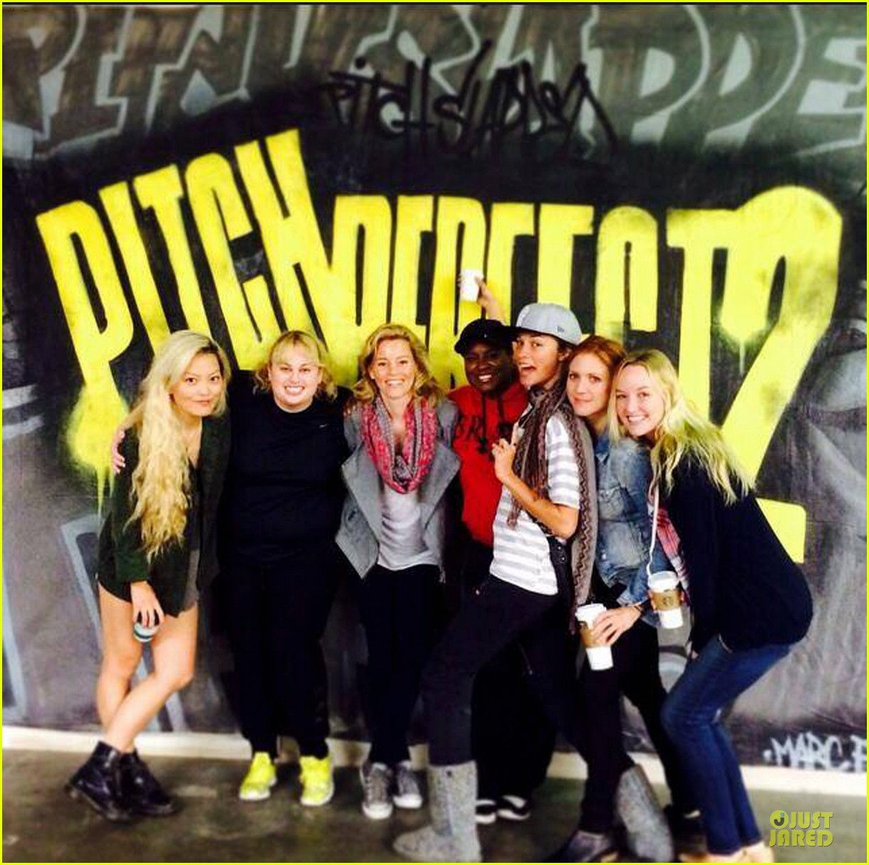 rebel wilson elizabeth banks start rehearsals for pitch perfect 2 033097032