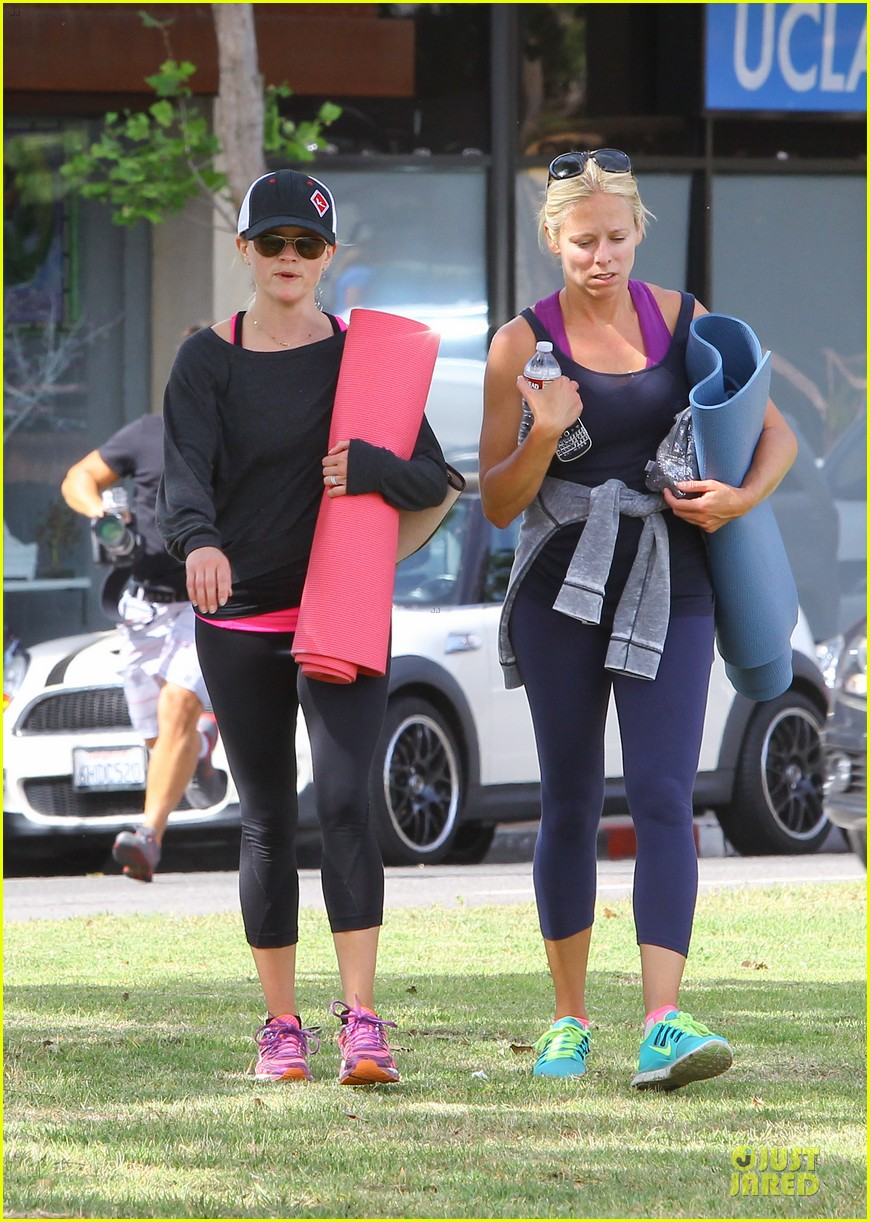 reese witherspoon tennessee country fan for life 043099473