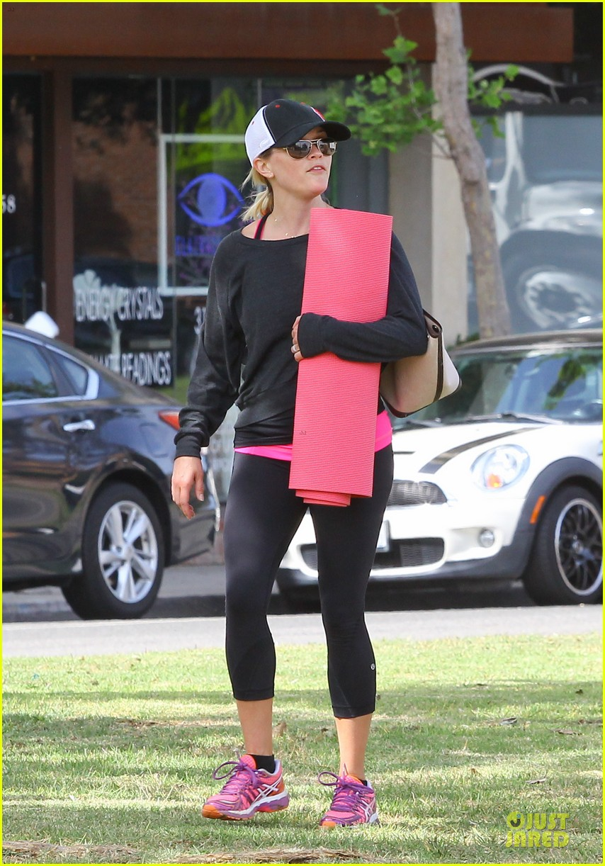 reese witherspoon tennessee country fan for life 083099477