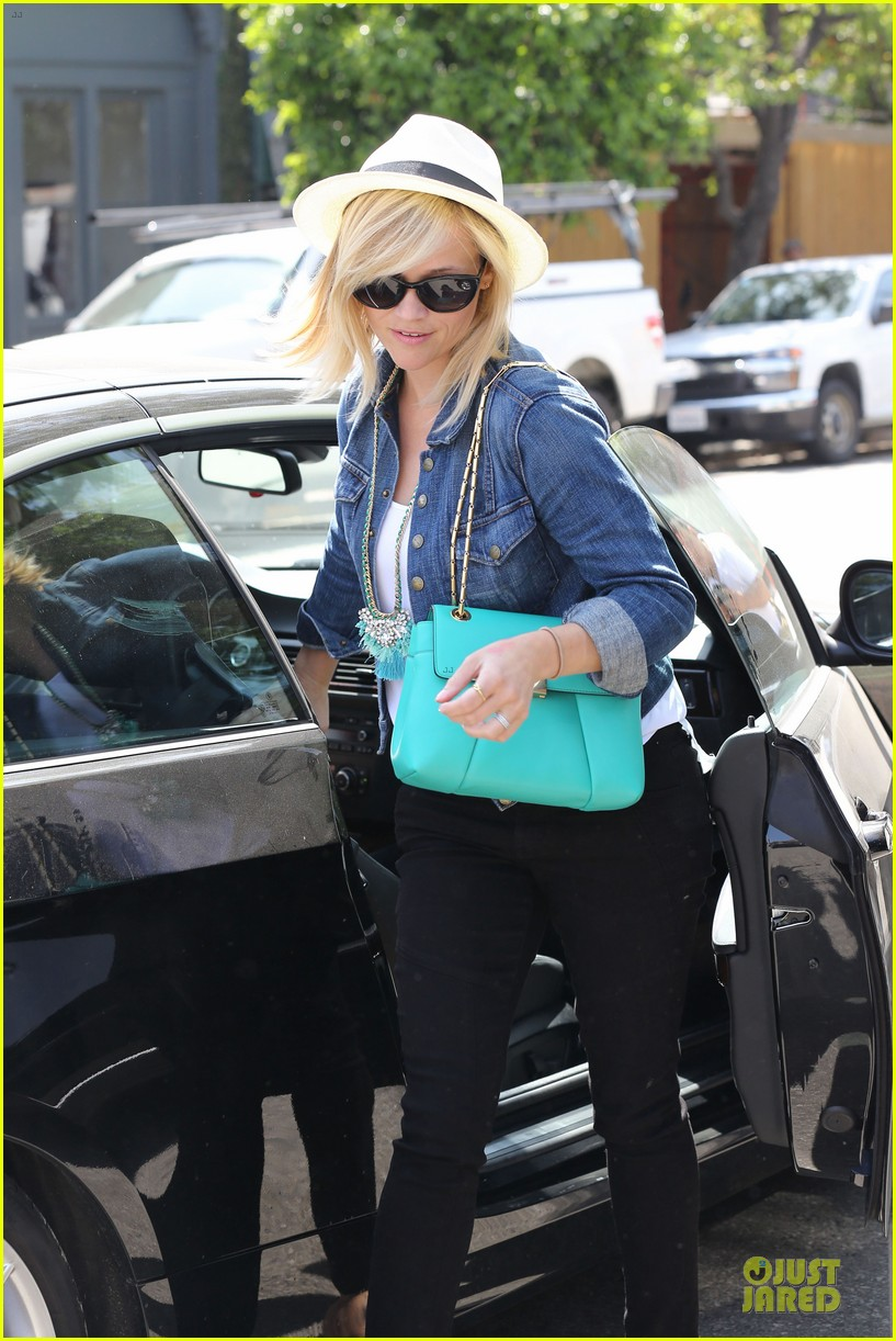reese witherspoon denim delight at oscar de la renta 023093641