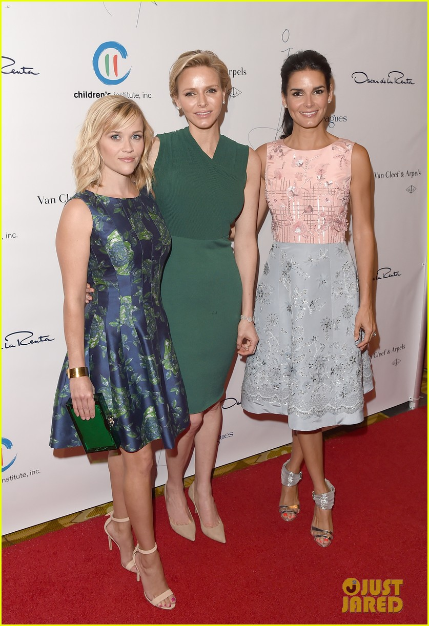 reese witherspoon mingles with a princess 033101664