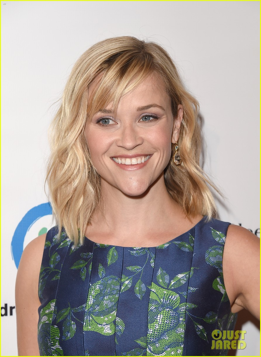 reese witherspoon mingles with a princess 043101665