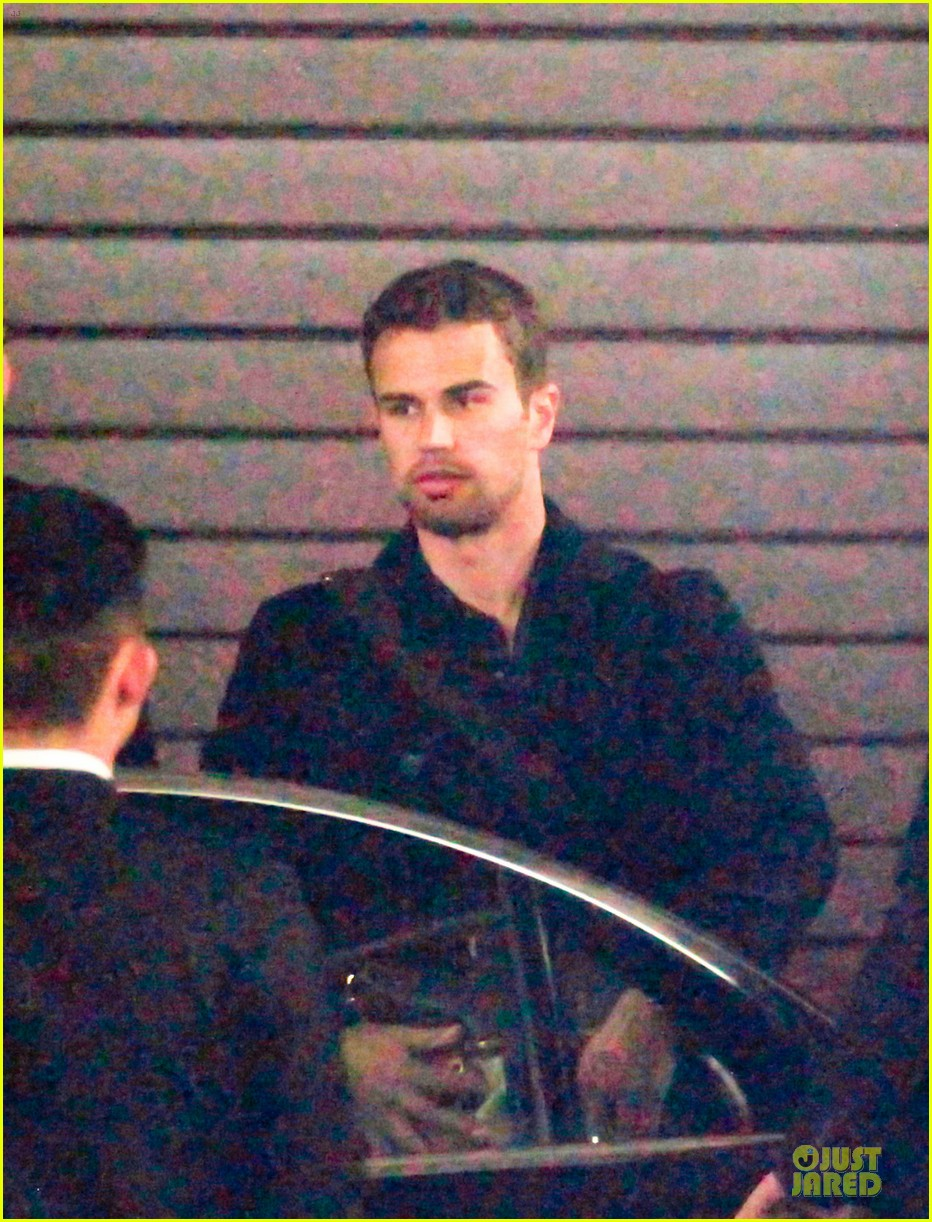 shailene woodley theo james hotel exit at night 043083552