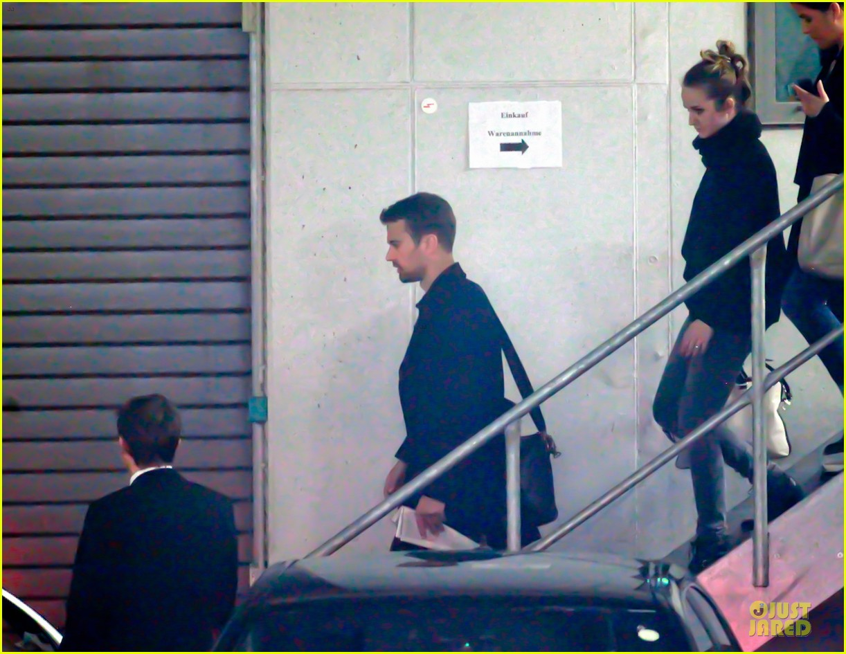 shailene woodley theo james hotel exit at night 103083558