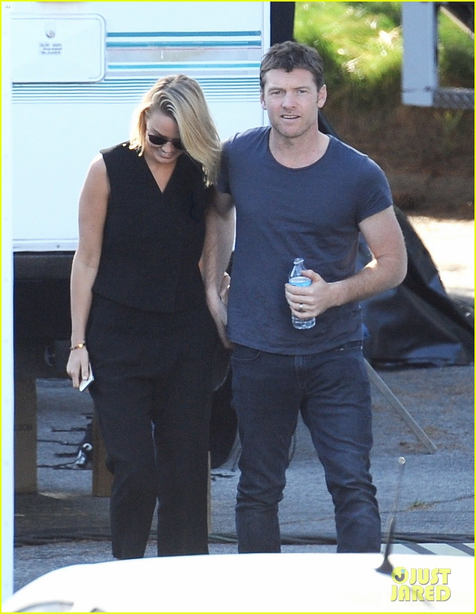 sam worthington visit from lara bingle on cake set 063090903