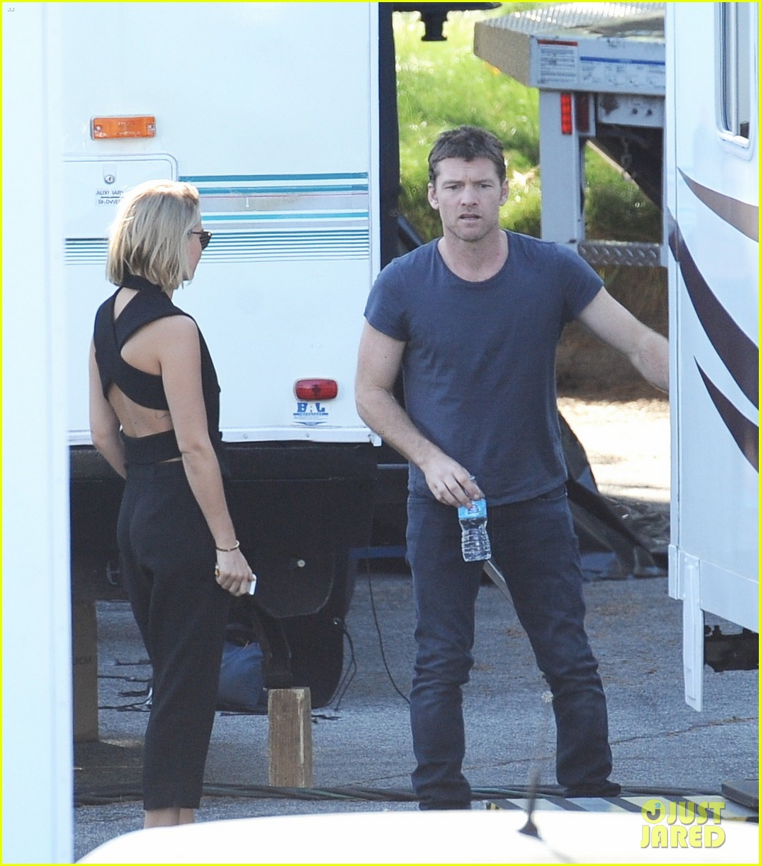 sam worthington visit from lara bingle on cake set 113090908