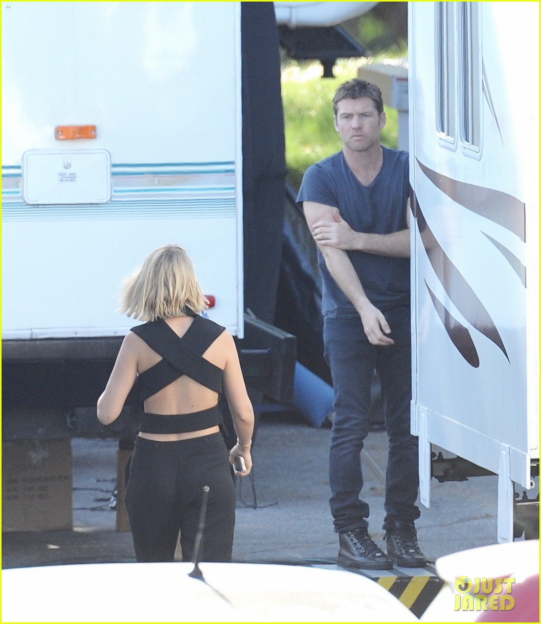 sam worthington visit from lara bingle on cake set 143090911