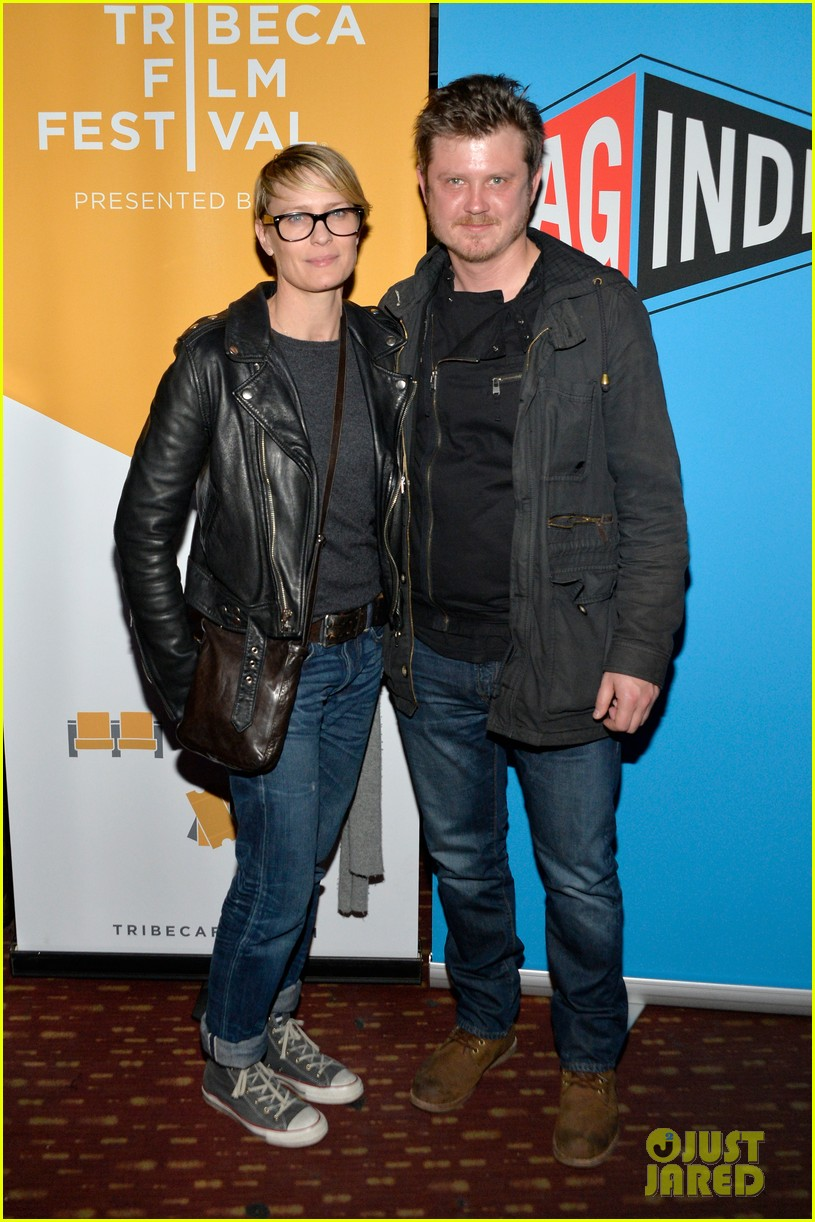 robin wright kevin spacey get in a house of cards reunion at tribeca film festival 053096662