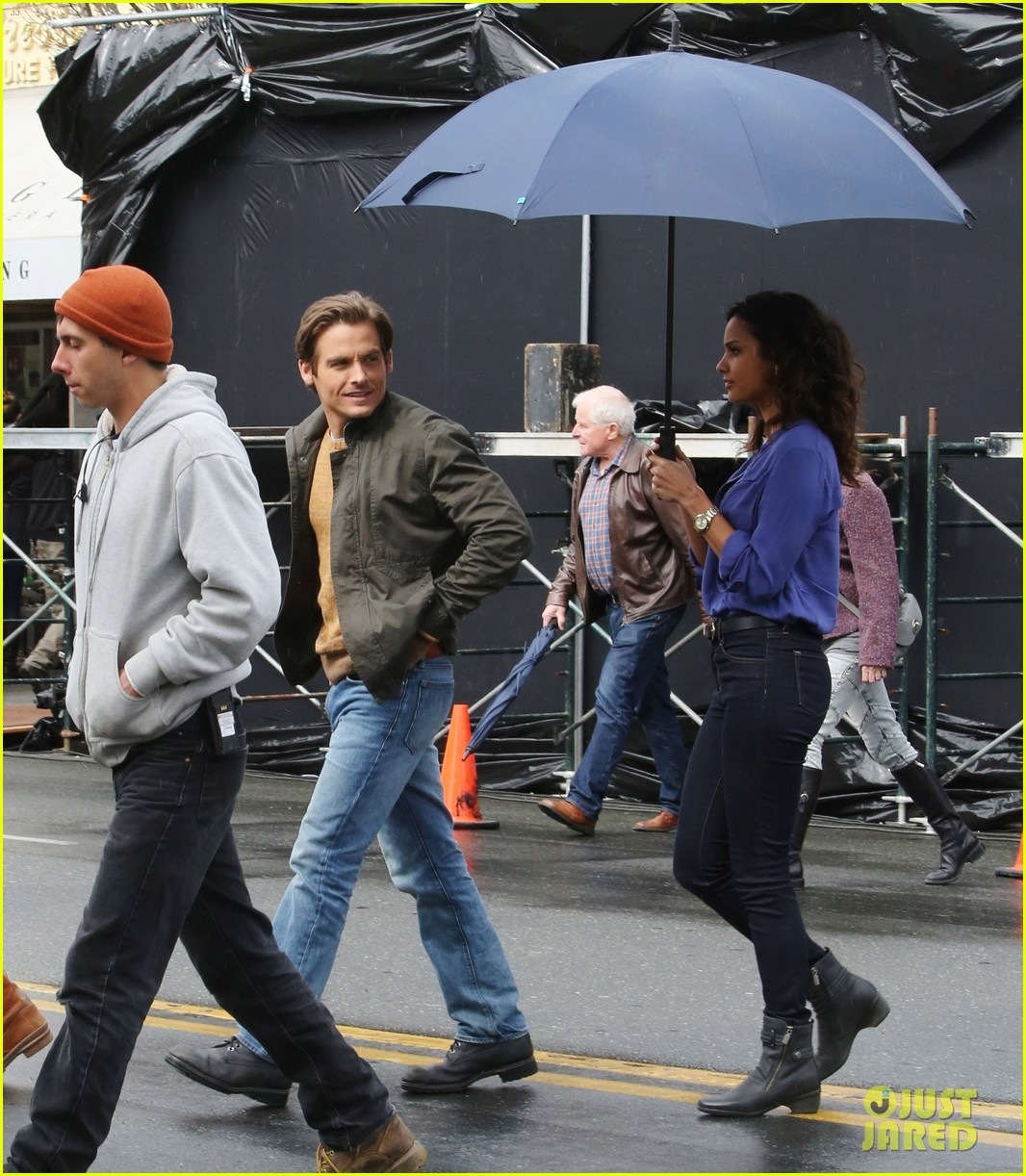 kevin zegers begins work on gracepoint 113086548