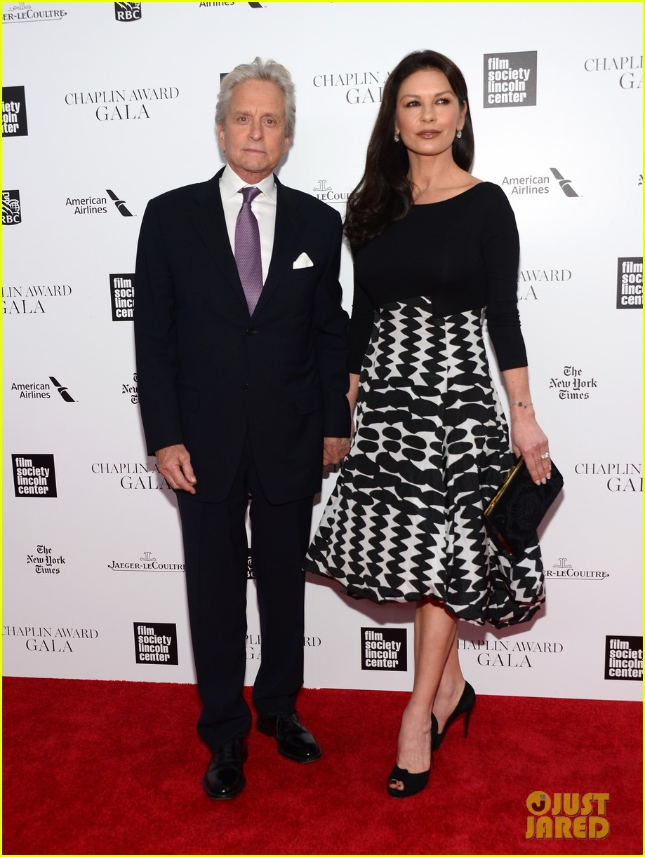 catherine zeta jones michael douglas hold hands red carpet 053100926