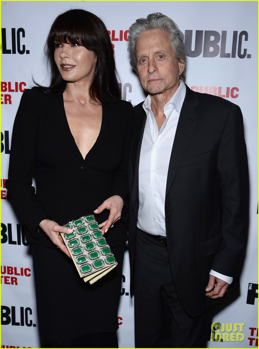 catherine zeta jones michael douglas rare red carpet appearance 073092882