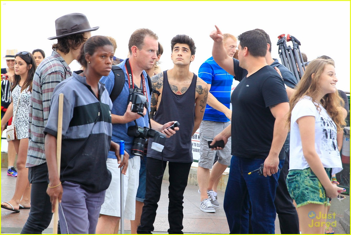 one direction visit christ redeemer statue 143107905