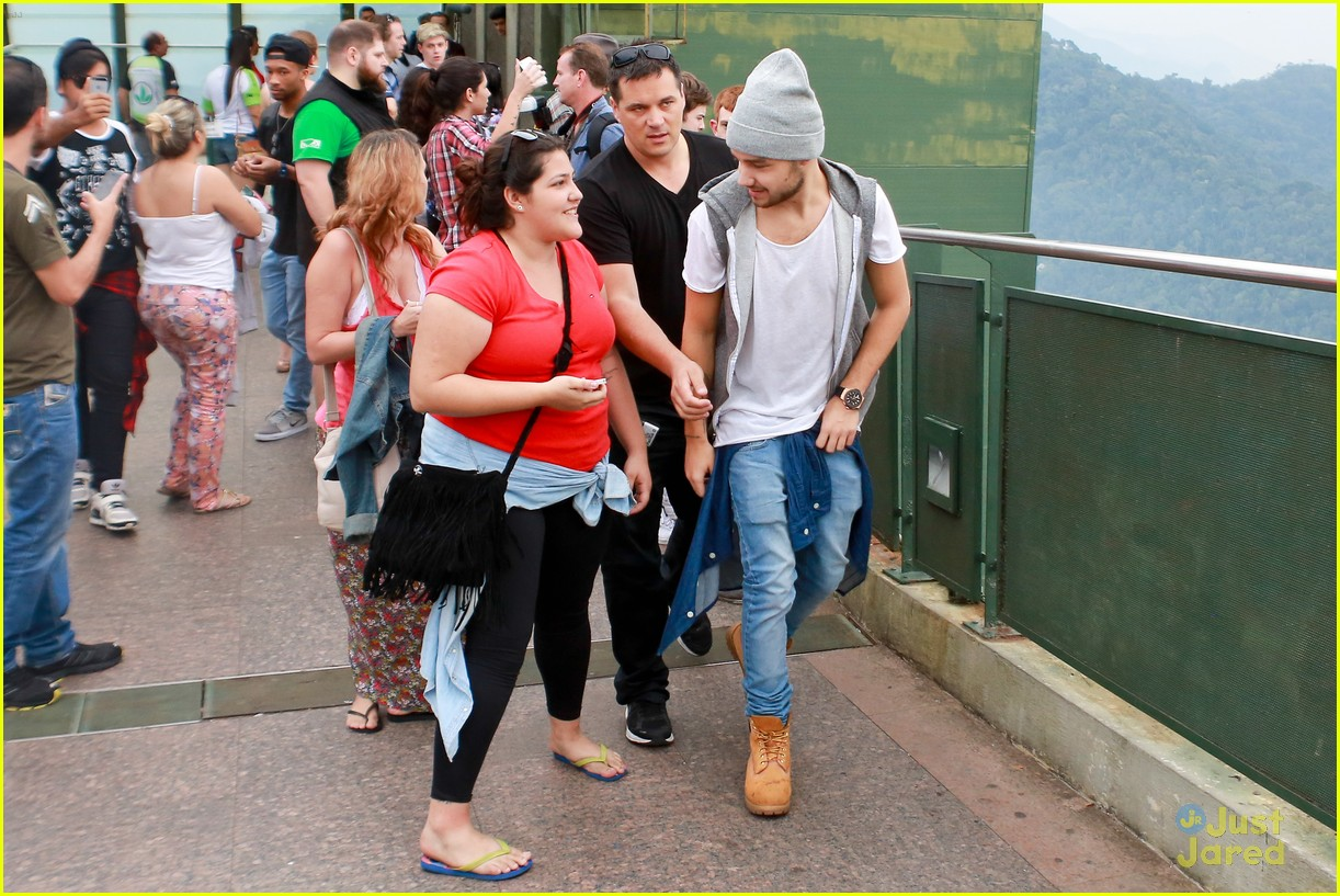 one direction visit christ redeemer statue 153107906