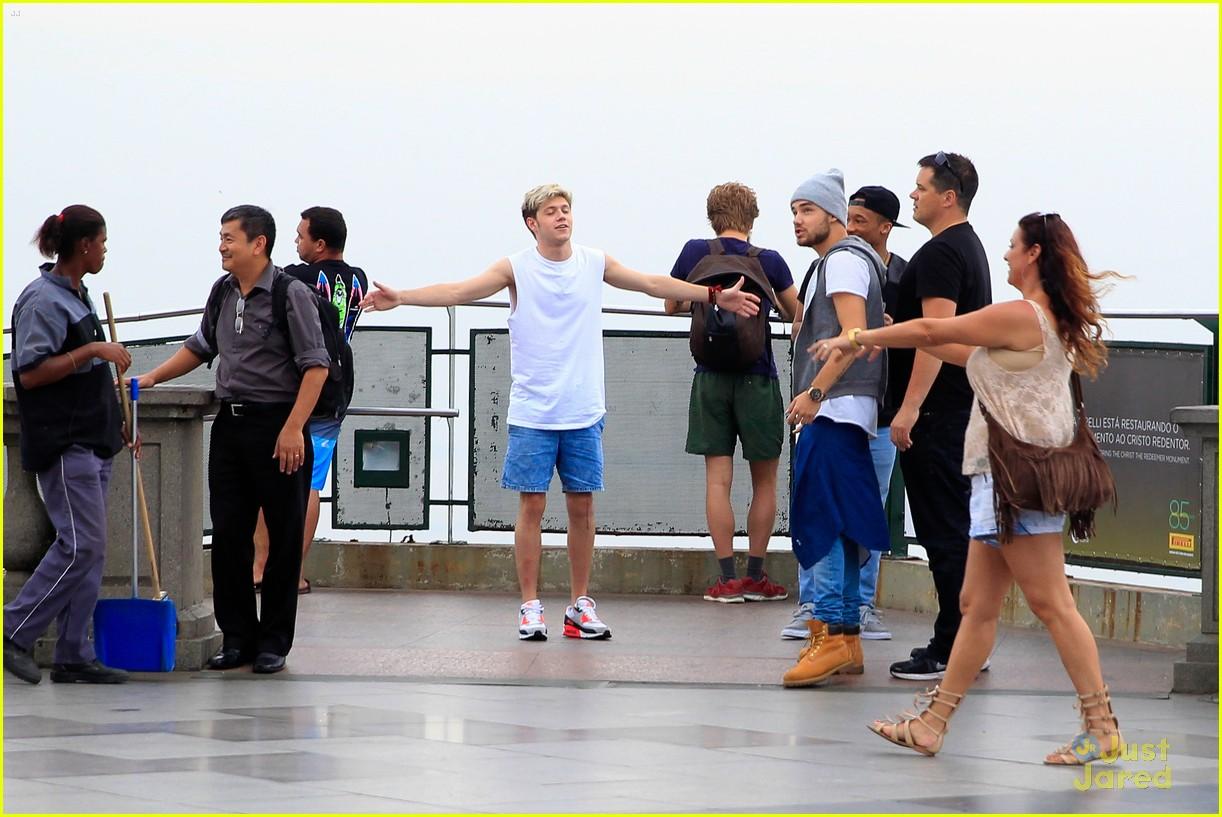 one direction visit christ redeemer statue 213107912