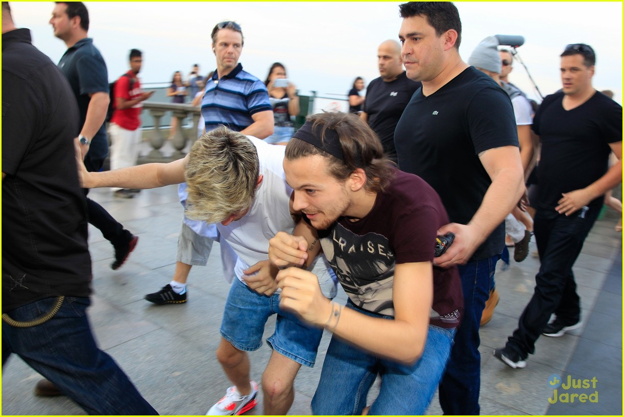 one direction visit christ redeemer statue 253107916