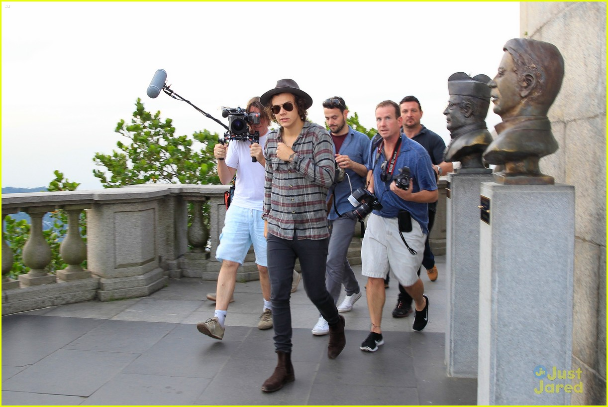 one direction visit christ redeemer statue 353107926
