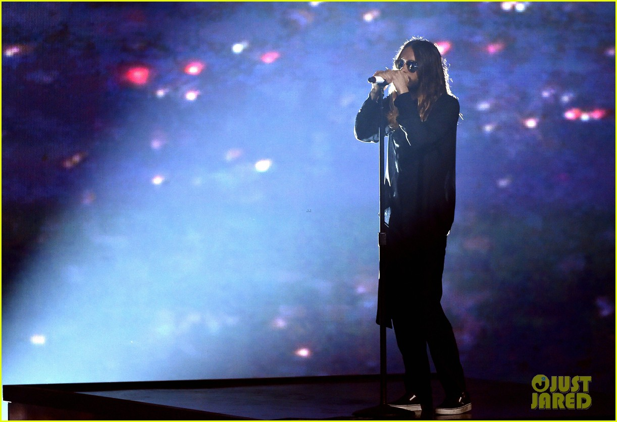 30 seconds to mars perform city of angels iheartradio 08