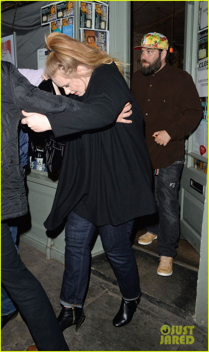 adele partner simon konecki make rare appearance to celebrate her 26th birthday 053106801