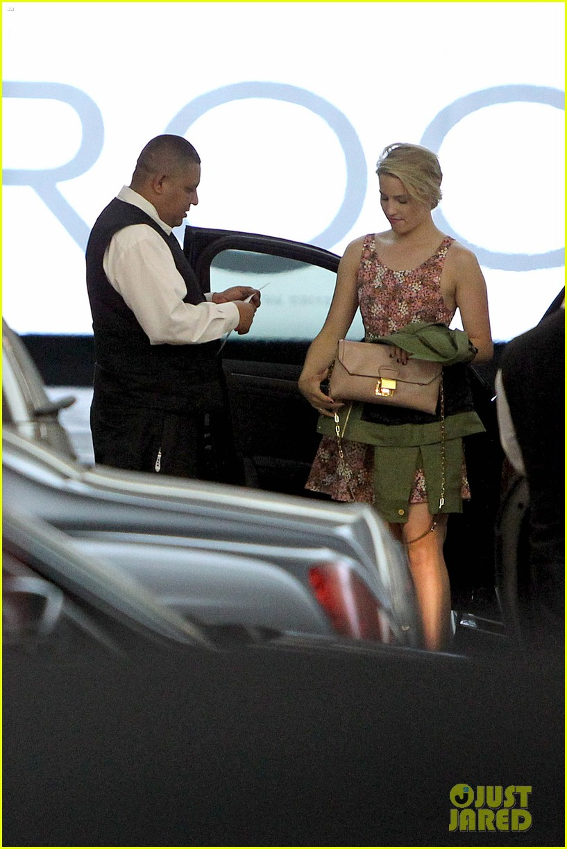 dianna agron braves los angeles heat lunch 013113608
