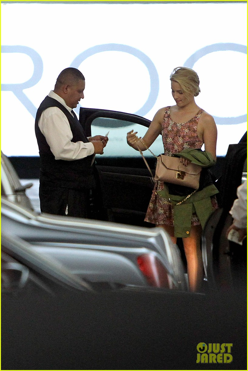 dianna agron braves los angeles heat lunch 08
