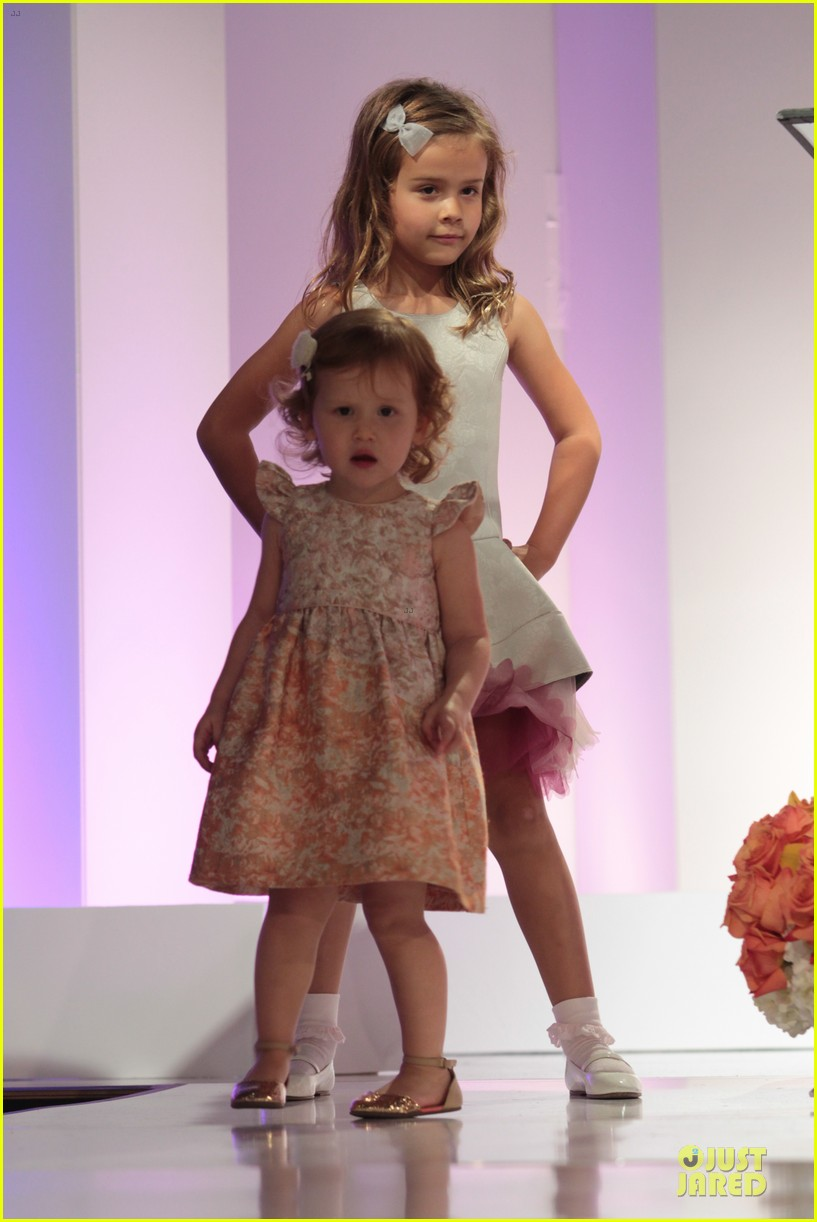 jessica alba mother of the year at luncheon 053109730