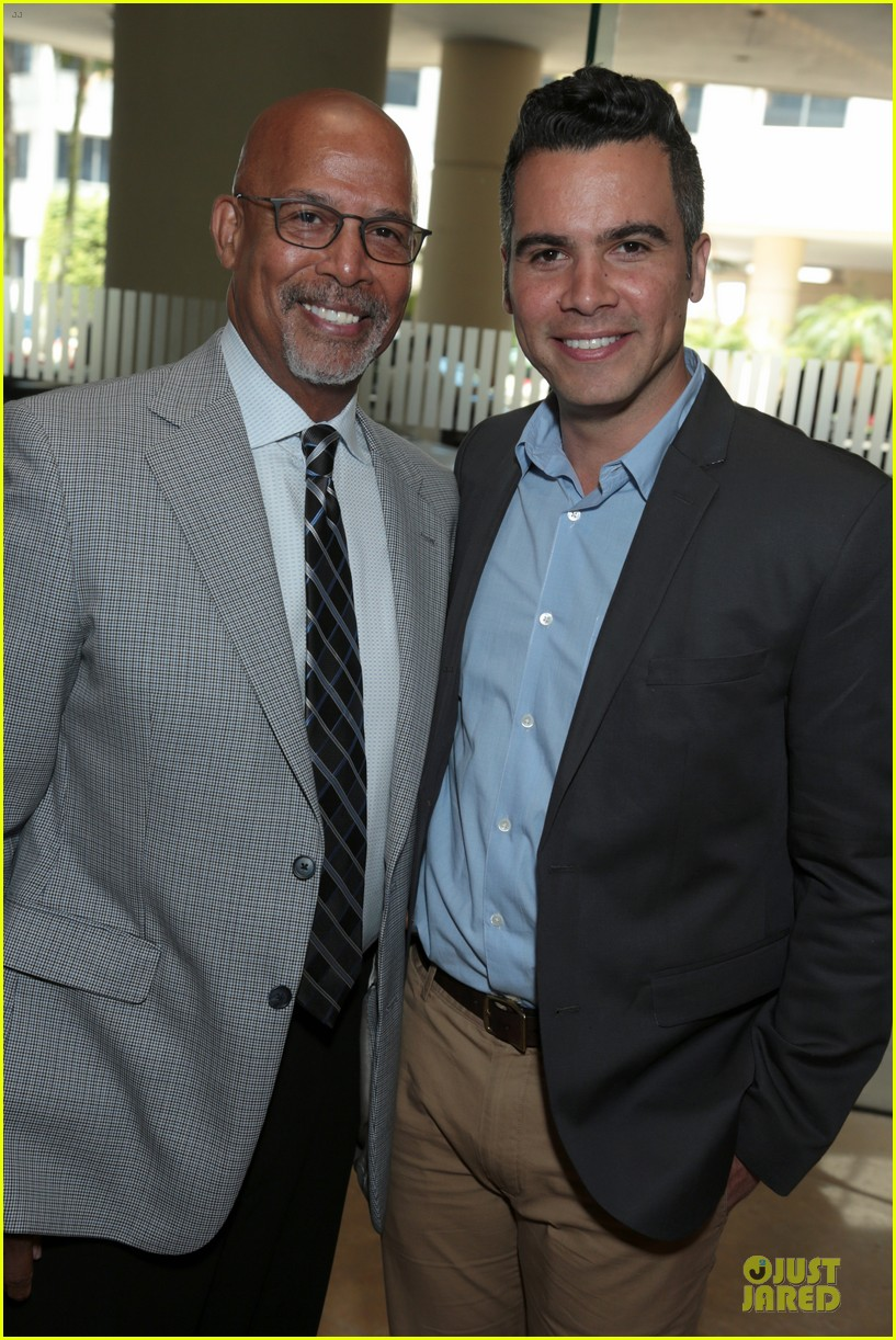 jessica alba mother of the year at luncheon 093109734