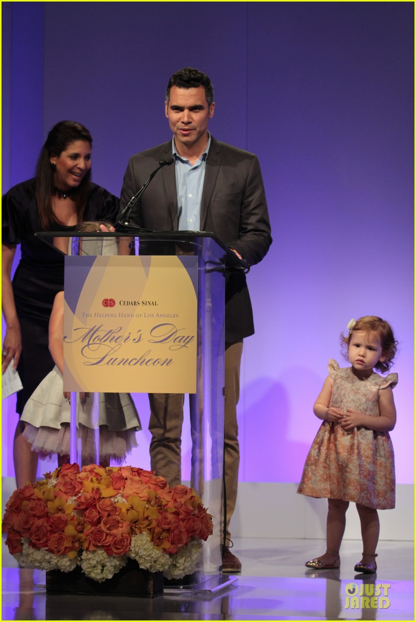 jessica alba mother of the year at luncheon 103109735