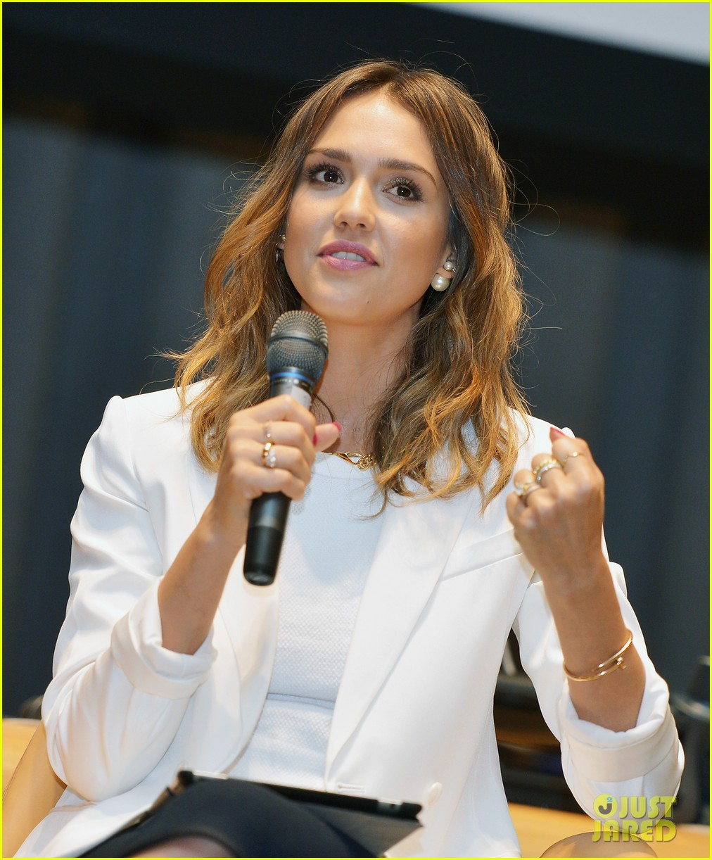 jessica alba hits new york for the social innovation summit 2014 04