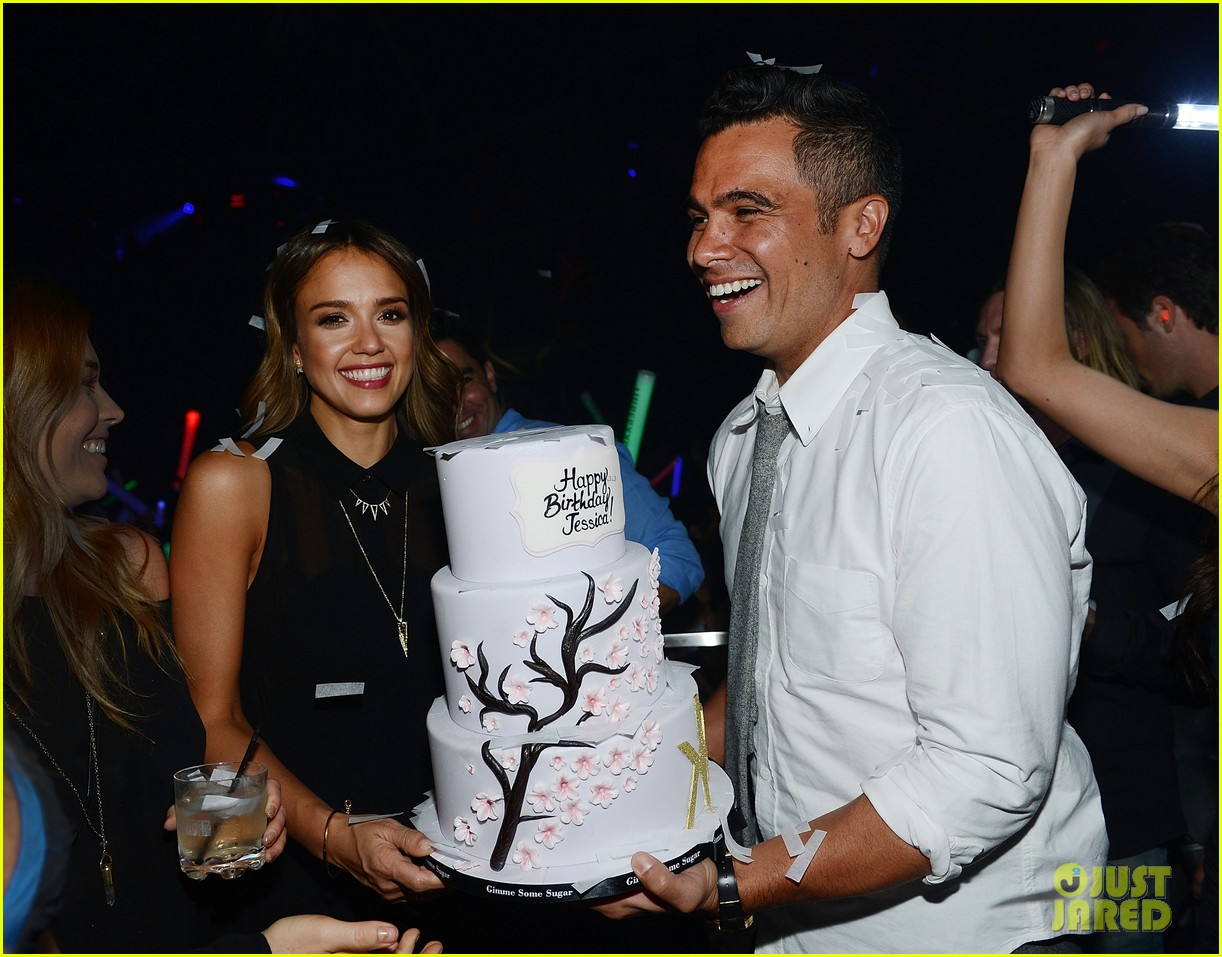 jessica alba belated birthday party in las vegas 01