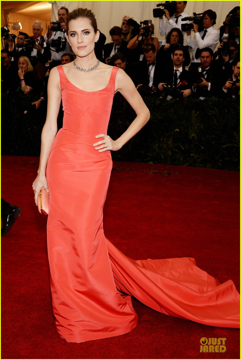 allison williams smashing red at met ball 2014 063105972