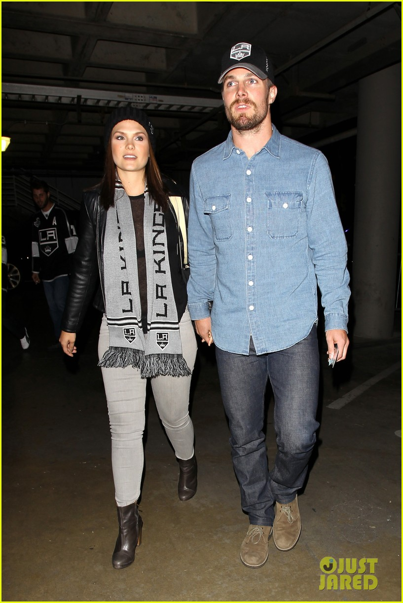 stephen amell destroyed mothers day 133111133