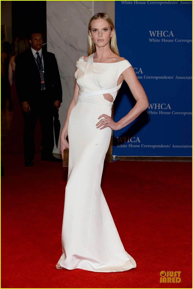 anne v irina shayk white house correspondents dinner 2014 013104650