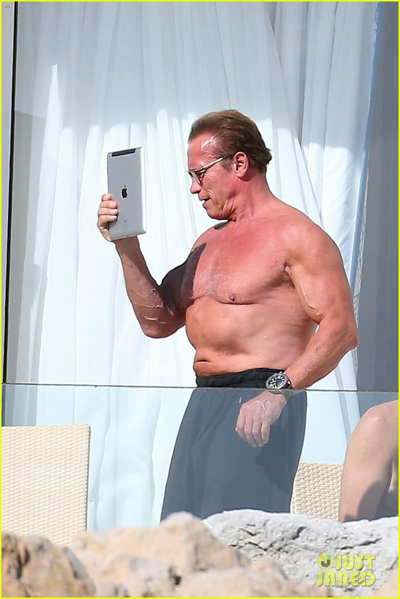 arnold schwarzenegger shirtless buff cannes 053117249