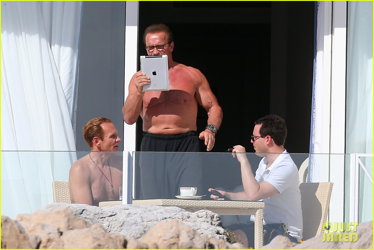 arnold schwarzenegger shirtless buff cannes 083117252