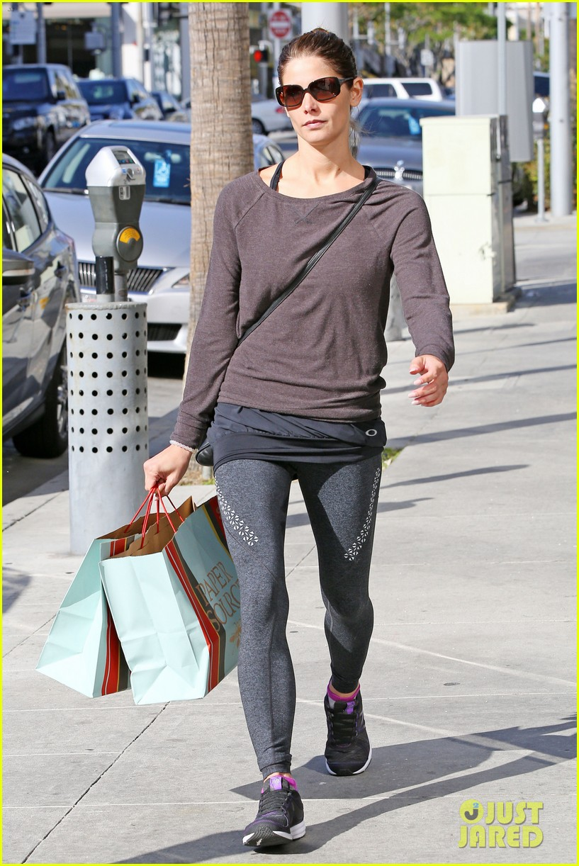 ashley greene paper source mothers day 013108578