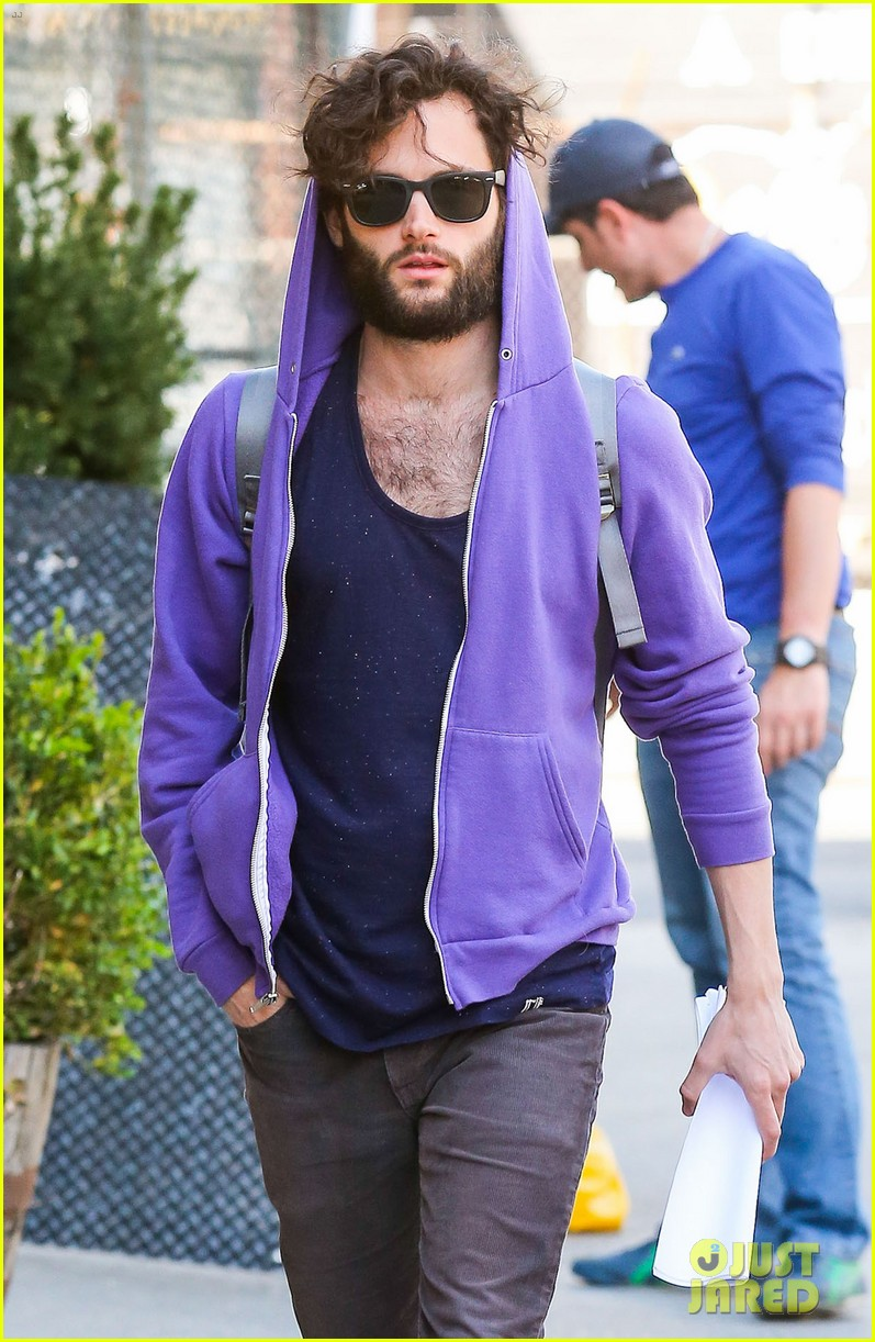 penn badgley plans to focus on his music 023108294