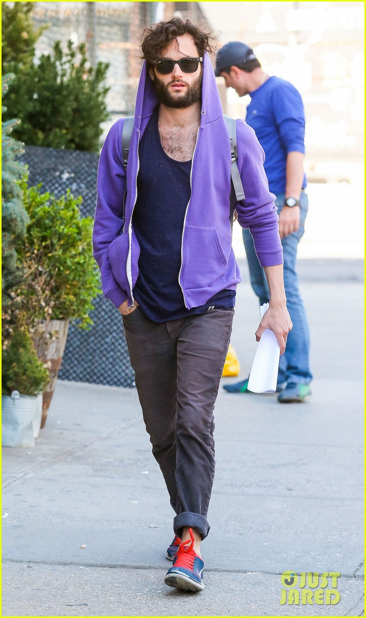 penn badgley plans to focus on his music 053108297