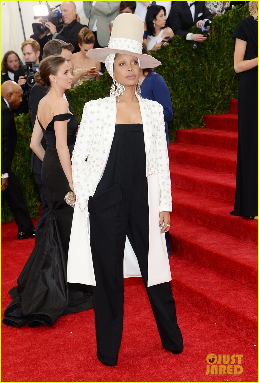 erykah badu hat met ball 2014 red carpet 043106404