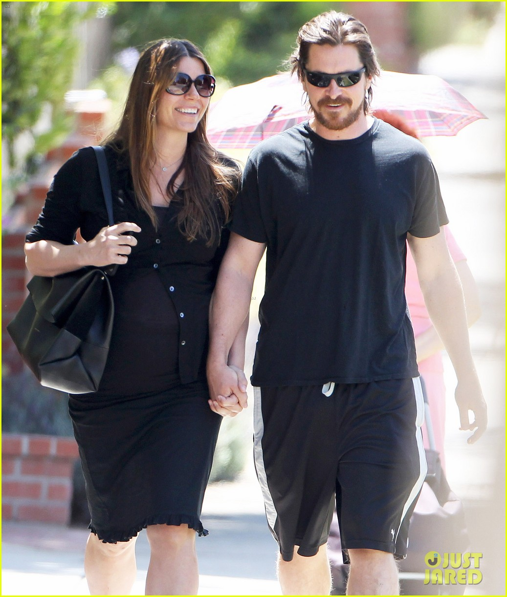 christian bale pregnant wife sibi hold hands 023119682