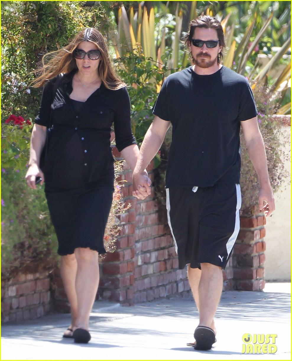 christian bale pregnant wife sibi hold hands 033119683