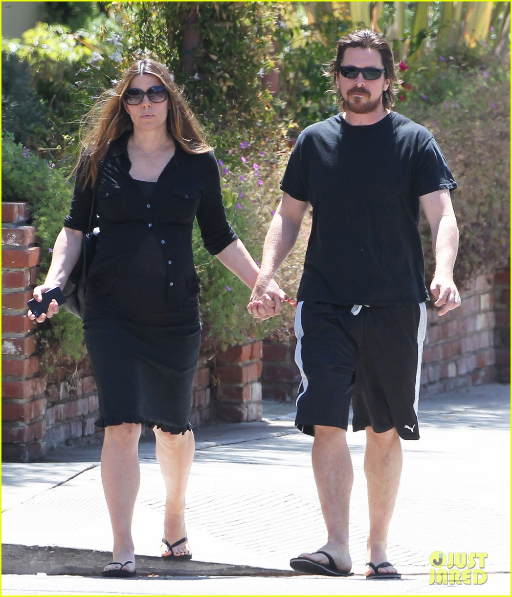 christian bale pregnant wife sibi hold hands 053119685