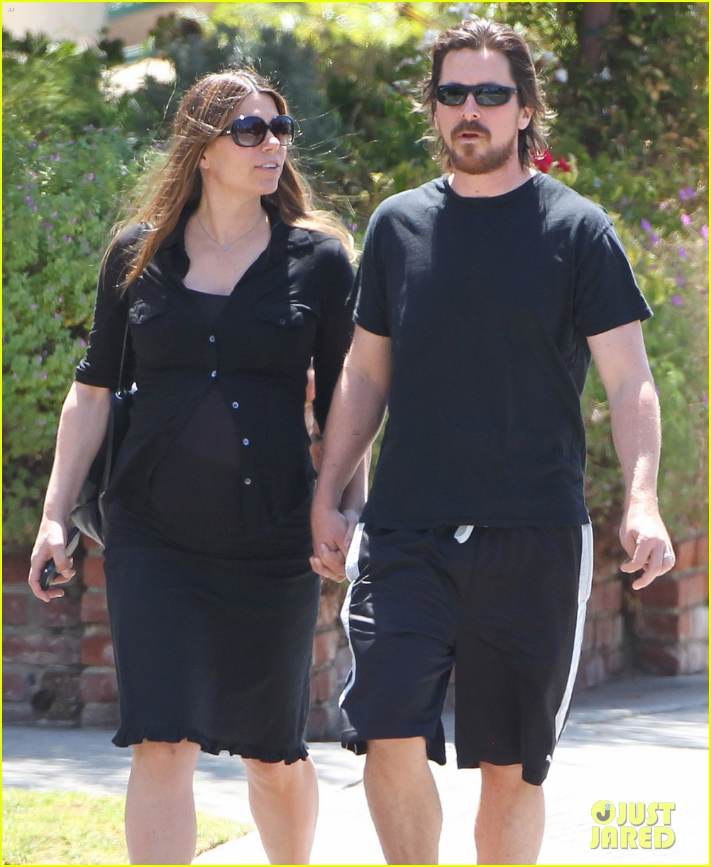 christian bale pregnant wife sibi hold hands 183119698