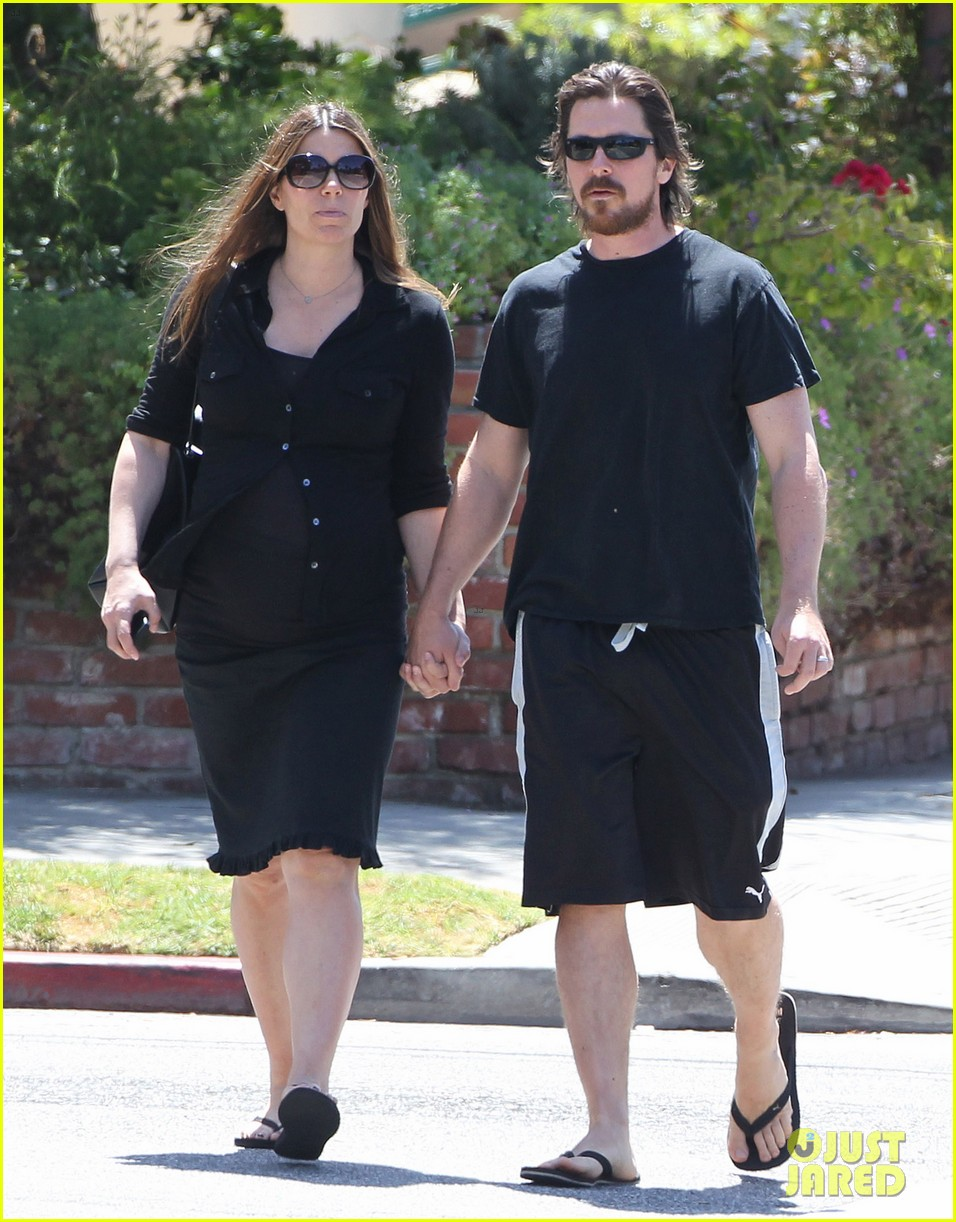 christian bale pregnant wife sibi hold hands 213119701